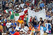 ATENE, 28 AGOSTO 2004<br /> OLIMPIADI ATENE 2004<br /> BASKET FINALE<br /> ITALIA - ARGENTINA<br /> NELLA FOTO: TIFOSI ITALIA<br /> FOTO CIAMILLO