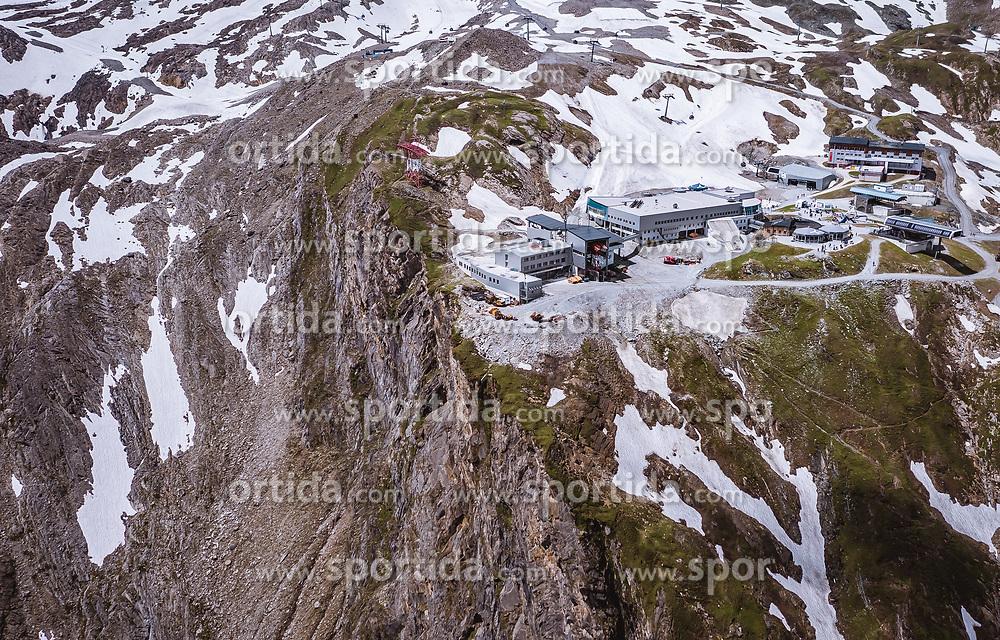 THEMENBILD - das Alpincenter am Kitzsteinhorn, aufgenommen am 16. Juli 2019 in Kaprun, Österreich // the Alpincenter at the Kitzsteinhorn, Kaprun, Austria on 2019/07/16. EXPA Pictures © 2019, PhotoCredit: EXPA/ JFK