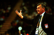 Polish head coach Herkt Tomasz gives instructions during the Women's basketball match between the New Zealand Tall Ferns and Poland at the Olympics in Sydney, Australia on 16 September, 2000. Photo: Dean Treml/PHOTOSPORT<br />