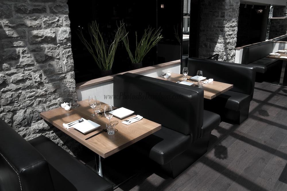 SIDEDOOR<br />  contemporary kitchen &amp; bar<br />  www.sidedoorrestaurant.com