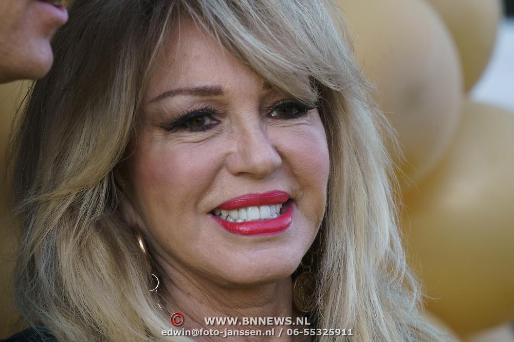 NLD/Amsterdam/20190401 - Opening Burgerroom Gordon, Patricia Paay