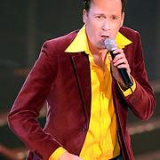 NLD/Hilversum/20070316 - 1e Live uitzending SBS So You Wannabe a Popstar, Jochem van Gelder optreden