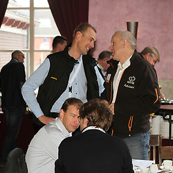 Thijs Rondhuis en bondscoach Johan Lammerts in gesprek