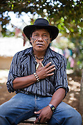 """Antônio Carvalho, 47 anos, cacique  Guarani da aldeia Boa Esperança. <br /> """"O eucalipto traz tristeza e devastação, seca os rios, polui as nossas plantações. A empresa diz que vai doar mudas de árvores para recuperar as terras que ela devastou. Nós não queremos consertar o estrago que a empresa fez nesses 30 anos. Nós queremos que a empresa assuma a responsabilidade pela devastação, pela morte dos rios, dos pássaros, pela morte da natureza."""""""