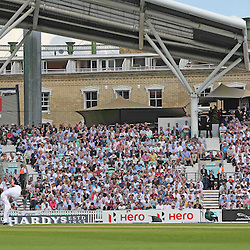 England's James Anderson bowling to India's Murali Vijay during the first day of the Investec 5th Test match between England and India at the Kia Oval, London, 15th August 2014 © Phil Duncan | SportPix.org.uk
