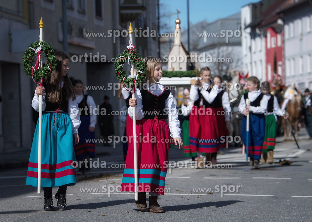 02.04.2018, Traunstein, GER, Georgi Ritt Traunstein 2018, im Bild Mädchen mit Ettendorfer Kircherl // during the traditionell Georgi Ritt on Easter Monday in. in Traunstein, Germany on 2018/04/02. EXPA Pictures © 2018, PhotoCredit: EXPA/ Erst Wukits