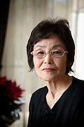 (En) Tokyo, November 2009 - In the house of Japanese writer Akira Yoshimura, near Kichijoji's Inokashira Park.<br /> Setsuko Tsumura, writer and Yoshimura's widow.<br /> <br /> (Fr) Dans la maison de l'&eacute;crivain japonais Akira Yoshimura, pr&egrave;s du parc Inokashira dans le quartier de Kichijoji.<br /> Setsuko Tsumura, ecrivain et veuve Yoshimura.