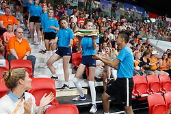 20170617 NED: FIVB Volleybal World League 2017 The Netherlands - Slovakia: Den Haag <br />Ballretrievers delivers the Bidbook<br />©2017-FotoHoogendoorn.nl / Pim Waslander