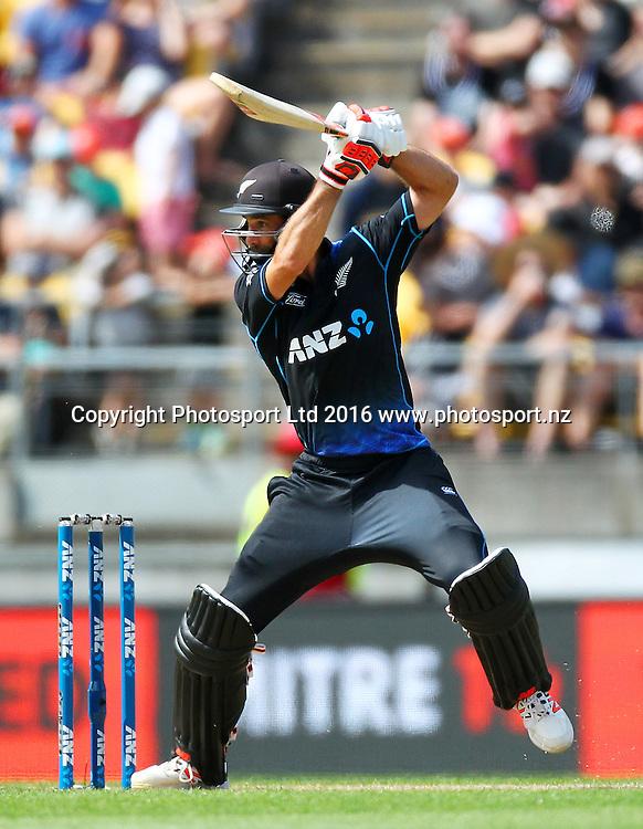 Grant Elliott bats. New Zealand Black Caps v Australia, 2nd match of the Chappell-Hadlee ODI Cricket Series. Westpac Stadium, Wellington, New Zealand. Saturday 6th February 2016. Copyright Photo.: Grant Down / www.photosport.nz