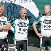 NLD/Watergang/20120406 - Presentatie Sterrenfietsteam 2012, Johnnie Rep, Patrick Morley en Marc de Vries , CEO Hyves