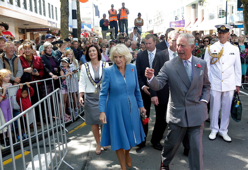 Prince Charles, Prince of Wales and Camila, Duchess of Cornwall during their public walkabout, Nelson, New Zealand, Saturday, November 07, 2015. SNPA / Reuters, Anthony Phelps **POOL**