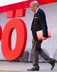 """25.06.2016, Messe, Wien, AUT, SPÖ, Bundesparteitag unter dem Motto """"Österreich begeistern"""". im Bild Landeshauptmann Kärnten Peter Kaiser // during political convention of the austrian social democratic party at austrian parliament in Vienna, Austria on 2016/06/25. EXPA Pictures © 2016, PhotoCredit: EXPA/ Michael Gruber"""