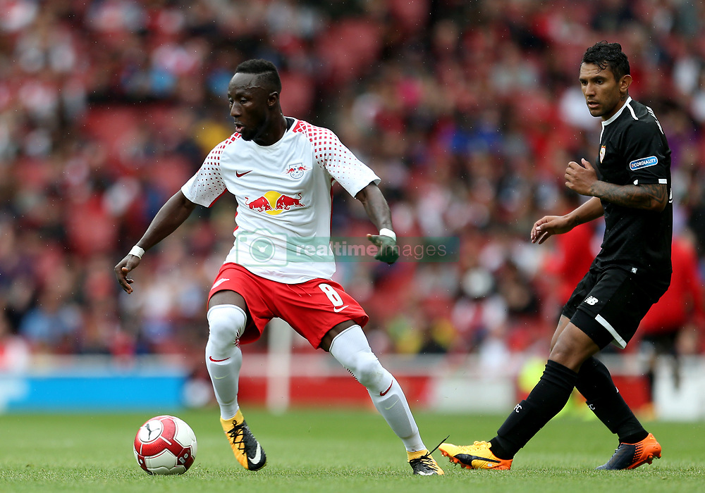 RB Leipzig's Naby Keita (centre) in action