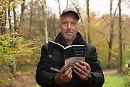 """Jörg Petersen und sein Buch """" Ich seh' den Himmel ...""""<br /> Hamburg. 07.11. 2109<br /> Foto Mauricio Bustamante"""