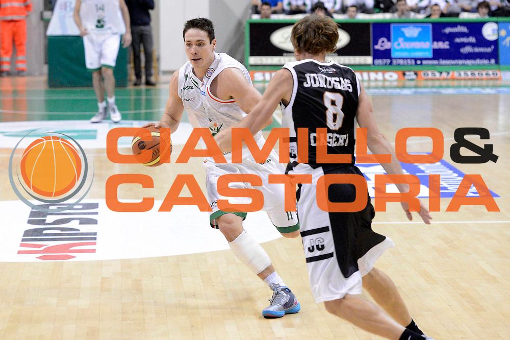 DESCRIZIONE : Siena Lega A 2012-13 Montepaschi Siena Juve Caserta<br /> GIOCATORE : Kristjan Kangur<br /> CATEGORIA : contropiede<br /> SQUADRA : Montepaschi Siena<br /> EVENTO : Campionato Lega A 2012-2013 <br /> GARA : Montepaschi Siena Juve Caserta<br /> DATA : 18/11/2012<br /> SPORT : Pallacanestro <br /> AUTORE : Agenzia Ciamillo-Castoria/GiulioCiamillo<br /> Galleria : Lega Basket A 2012-2013  <br /> Fotonotizia : Siena Lega A 2012-13 Montepaschi Siena Juve Caserta<br /> Predefinita :
