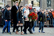 AMSTERDAM - King Willem-Alexander accompanied a wreath during the commemoration of the February strike. On February 25, 1941 put thousands of workers in Amsterdam and around the work down in protest against the actions of the Germans against the Jews. King Willem-Alexander accompanied a wreath during the commemoration of the February strike. On February 25, 1941 put thousands of workers in Amsterdam and around the work down in protest against the actions of the Germans against the Jews. COPYRIGHT ROBIN UTRECHT<br /> AMSTERDAM - Koning Willem-Alexander begeleid een kranslegging tijdens de herdenking van de Februaristaking. Op 25 februari 1941 legden duizenden werknemers in Amsterdam en omgeving het werk neer uit protest tegen het optreden van de Duitse bezetter tegen de joden.  Koning Willem-Alexander begeleid een kranslegging tijdens de herdenking van de Februaristaking. Op 25 februari 1941 legden duizenden werknemers in Amsterdam en omgeving het werk neer uit protest tegen het optreden van de Duitse bezetter tegen de joden.  COPYRIGHT ROBIN UTRECHT