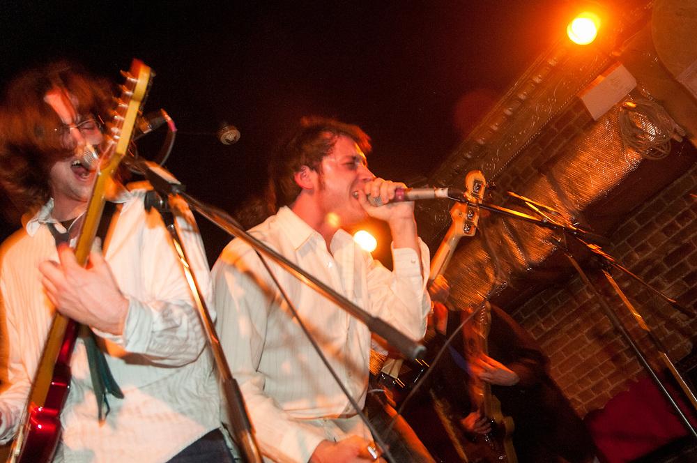 5 à 7 bandpoésie à la Casa. Fidel Castrol: Sébastien Boulanger-Gagnon, Maxime Catellier, JP Catellier, Shawn Cotton, Danny Plourde, Jean-Philippe Tremblay. 5 février 2008