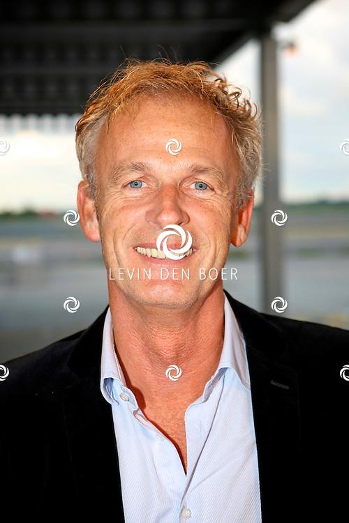 KATWIJK - Op vliegbasis Valkenburg hield Soldaat van Oranje een tweede premiere ter gelegenheid van een nieuwe Cast.  Met op de foto Cor Bakker. FOTO LEVIN DEN BOER - PERSFOTO.NU