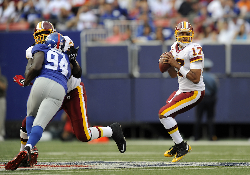 EAST RUTHERFORD, NJ - SEPTEMBER 13: Jason Campbell #17 of the Washington Redskins drops back to pass against the New York Giants during their game on September 13, 2009 at Giants Stadium in East Rutherford, New Jersey. (Photo by Rob Tringali) *** Local Caption *** Jason Campbell