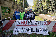 Roma 2  Novembre 2015<br /> Presidio al canile dell' ex Cinodromo di Ponte Marconi, degli attivisti di Animalisti Italiani  insieme all'attrice Loredana Cannata, ai volontari de L'Impronta e Avcpp (associazione volontari canili di Porta Portese) per evitare che la nuova società  la Mapia Srl entri in possesso del canile, mettendo la parola fine a quella che fino ad oggi è stata una gestione virtuosa dei cani senza padrone della Capitale.<br /> Rome, November 2, 2015<br /> Sit-in the doghouse the former dog track to Ponte Marconi,of the Italian Animal rights activists with actress Loredana Cannata, the volunteers of The imprint and Avcpp (Association volunteers kennels Portaportese) to prevent the new company the Mapia Srl  comes into possession of kennel, putting an end to what until now has been a virtuous management of ownerless dogs in the capital.
