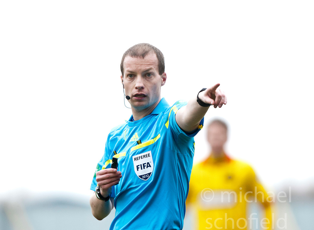 Ref William Collum..Falkirk 1 v 1 Partick Thistle, 10/3/2012..©Michael Schofield.