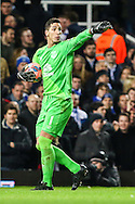 Joel Robles of Everton during the FA Cup match at the Boleyn Ground, London<br /> Picture by David Horn/Focus Images Ltd +44 7545 970036<br /> 13/01/2015