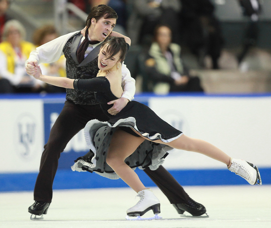 20101029 -- Kingston, Ontario --  Madison Chock and Greg Zuerlein of the United States skate their short dance in the ice dance competition at the 2010 Skate Canada International in Kingston, Ontario, Canada, October 29, 2010.<br /> AFP PHOTO/Geoff Robins