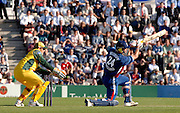 2005 Twenty/20 Cricket England vs Australia, The Rose Bowl, Southampton, Hampshire, ENGLAND 13.06.2005, Kevin Pietersen, striking out..Photo  Peter Spurrier. .email images@intersport-images...