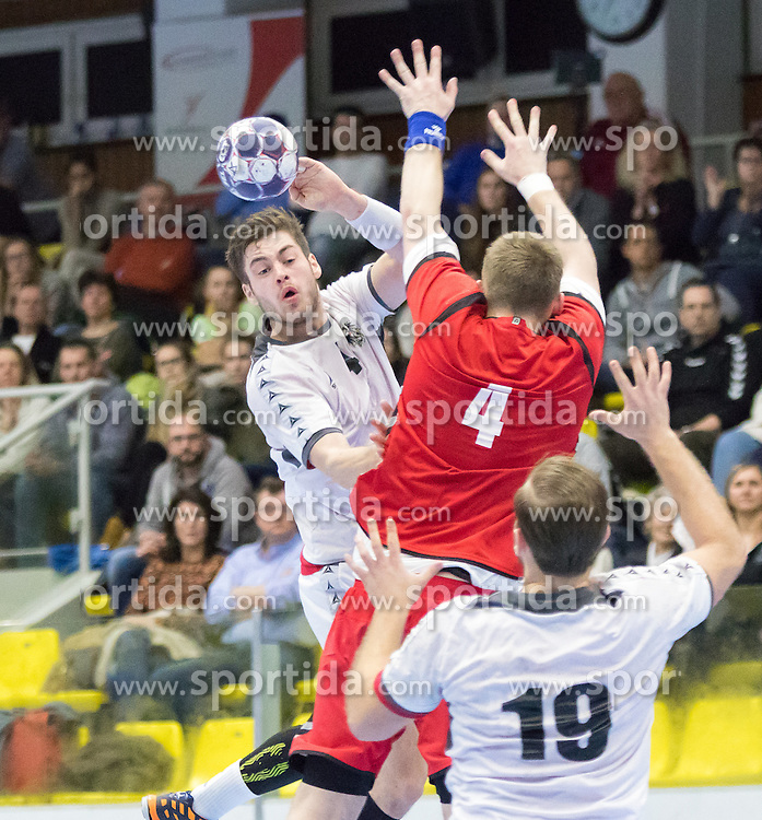 07.01.2017, BSFZ Suedstadt, Maria Enzersdorf, AUT, IHF Junior WM 2017 Qualifikation, Österreich vs Tschechische Republik, im Bild Ante Esegovic (AUT), David Biciste (CZE), Philipp Rabenseifer (AUT) // during the IHF Men's Junior World Championships qualifying match between Austria and Czech Republic at the BSFZ Suedstadt, Maria Enzersdorf, Austria on 2017/01/07, EXPA Pictures © 2017, PhotoCredit: EXPA/ Sebastian Pucher