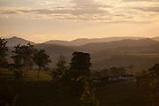 Esmeraldas_MG, Brasil...Por do sol na comunidade rural da Laginha em Esmeraldas, Minas Gerais...The sunset in the rural community Laginha in Esmeraldas, Minas Gerais. ..Foto: JOAO MARCOS ROSA / NITRO