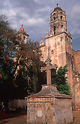 MEXICO, COLONIAL CITIES Tepoztlan: historic town and church