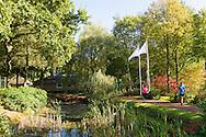 Nederland, Vught, 20161016.<br /> Tennispark Wolfsbosch in Vught<br /> Hardlopen met een groep onder deskundige begeleiding in Vught.<br /> Bij Loopschool Wim Akkermans