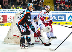 12.01.2020, Keine Sorgen Eisarena, Linz, AUT, EBEL, EHC Liwest Black Wings Linz vs EC Red Bull Salzburg, 39. Runde, im Bild v.l. Dragan Umicevic (EHC Liwest Black Wings Linz), Tormann Jean Philippe Lamoureux (Red Bull Salzburg), Alexander Pallestrang (EC Red Bull Salzburg) // during the Erste Bank Eishockey League 39th round match between EHC Liwest Black Wings Linz and EC Red Bull Salzburg at the Keine Sorgen Eisarena in Linz, Austria on 2020/01/12. EXPA Pictures © 2020, PhotoCredit: EXPA/ Reinhard Eisenbauer