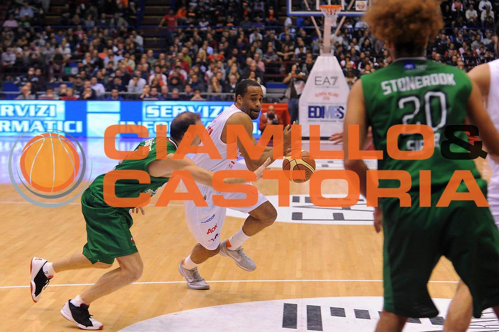 DESCRIZIONE : Milano Lega A 2011-12 EA7 Emporio Armani Milano Montepaschi Siena<br /> GIOCATORE : Malik Hairston<br /> CATEGORIA : Palleggio<br /> SQUADRA : EA7 Emporio Armani Milano<br /> EVENTO : Campionato Lega A 2011-2012<br /> GARA : EA7 Emporio Armani Milano Montepaschi Siena<br /> DATA : 13/11/2011<br /> SPORT : Pallacanestro<br /> AUTORE : Agenzia Ciamillo-Castoria/A.Dealberto<br /> Galleria : Lega Basket A 2011-2012<br /> Fotonotizia : Milano Lega A 2011-12 EA7 Emporio Armani Milano Montepaschi Siena<br /> Predefinita :