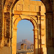 Triumphal Arch of Palmyra, Syria. Arc Triomphale de Palmyre, Syrie.