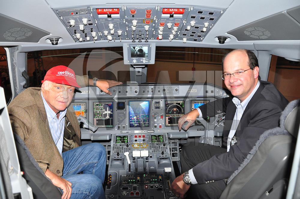 Na tarde desta quinta-feira, a Embraer entregou o primeiro jato EMBRAER 190 para a cia. aérea austriaca Niki Luftahrt GmbH, que pertence ao ex tri-campeão mundial de Fórmula 1 Niki Lauda, na sede da empresa em São José dos Campos. FOTO: FELIPE JOSÉ / BRAZIL PHOTO PRESS).