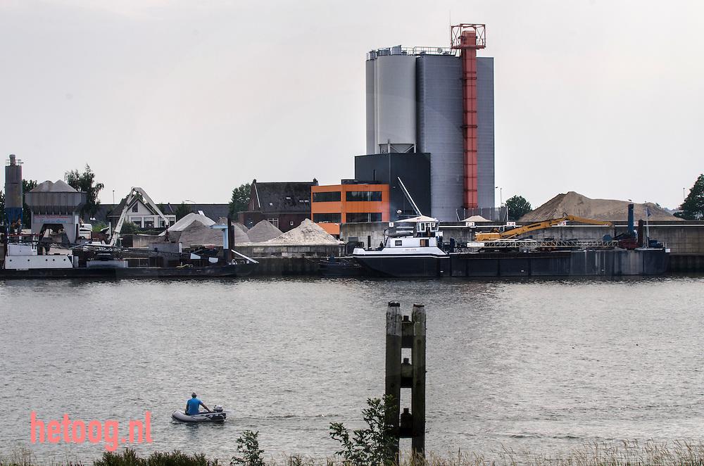 The Netherlands, Nederland 19aug2015 Lek bij schoonhoven krimpenerwaard