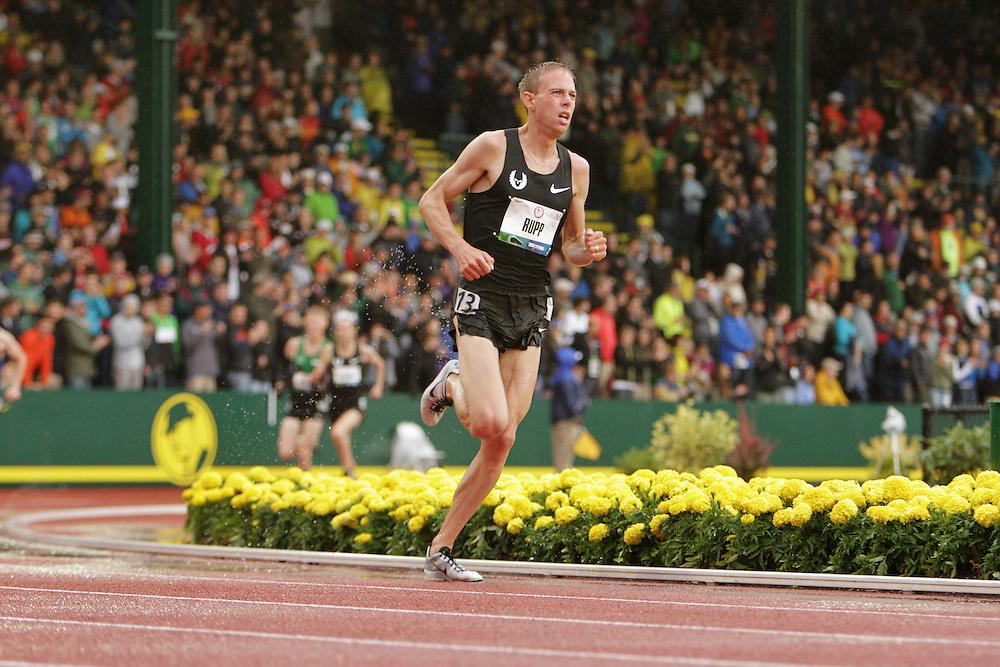 Olympic Trials Eugene 2012: men's 10,000 meter final, Galen Rupp wins,