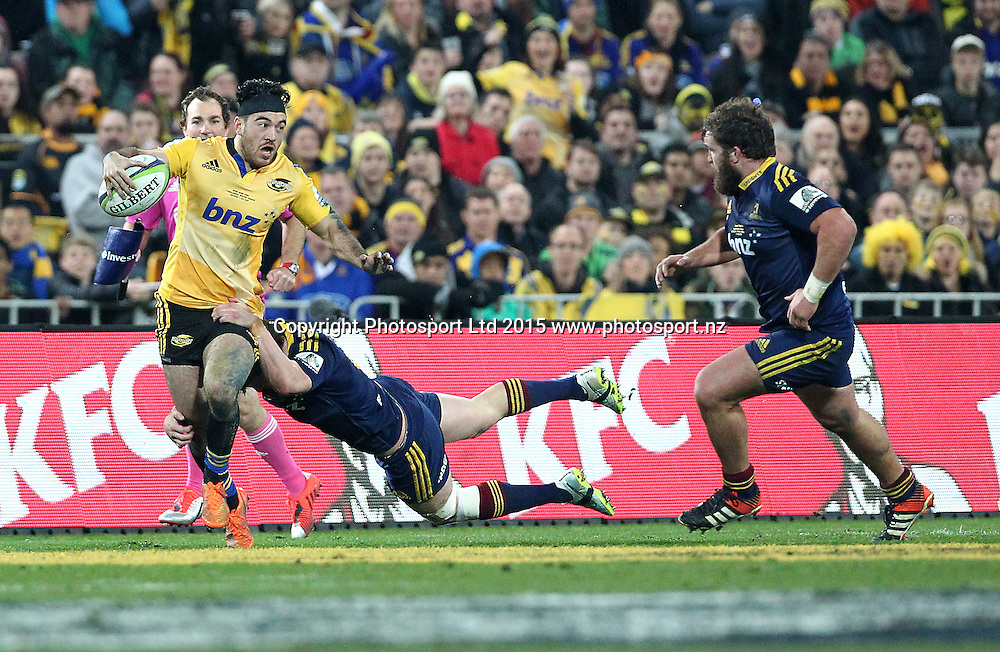 Hurricanes' Nehe Milner-Skudder with ball in hand during the Super Rugby Final, Hurricanes v Highlanders. Westpac Stadium, Wellington, New Zealand. 4 July 2015. Copyright Photo.: Grant Down / www.photosport.nz