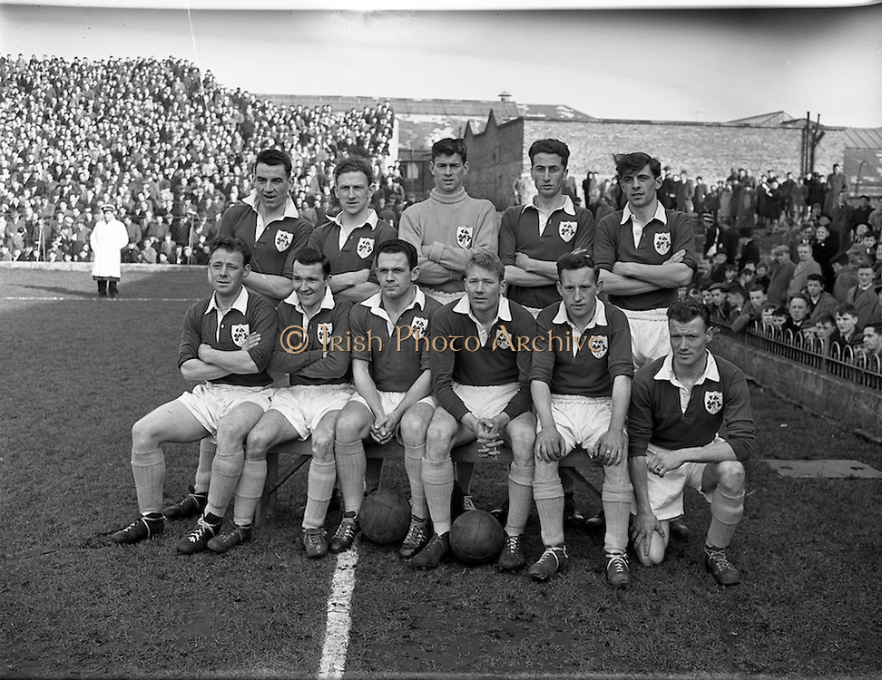 17/03/1958<br /> 03/17/1958<br /> 17 March 1958<br /> Soccer: League of Ireland v Irish League at Dalymount Park, Dublin. The League of Ireland team.
