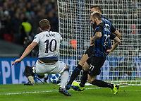 Football - 2018 / 2019 UEFA Champions League - Group B: Tottenham Hotspur vs. Inter Milan<br /> <br /> Harry Kane (Tottenham FC)  stretches to keep the ball in play by the goal line at Wembley Stadium.<br /> <br /> COLORSPORT/DANIEL BEARHAM