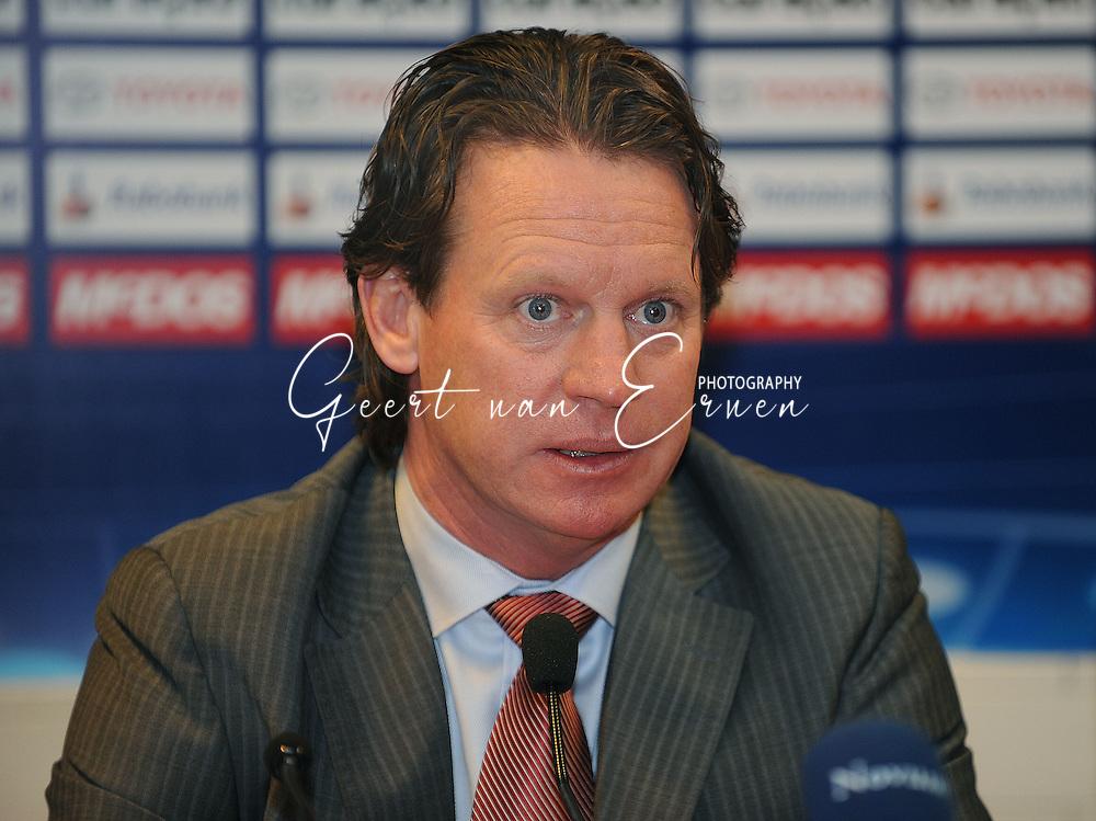 18-02-2009: voetbal: NEC - Hamburger SV: Nijmegen: UEFA Cup<br /> Trainer Mario Been<br /> Fotograf: Geert van Erven