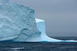 SOUTHERN OCEAN ESPERANZA 29DEC07 - Iceberg in the Southern Ocean...jre/Photo by Jiri Rezac..© Jiri Rezac 2007..Contact: +44 (0) 7050 110 417.Mobile:  +44 (0) 7801 337 683.Office:  +44 (0) 20 8968 9635..Email:   jiri@jirirezac.com.Web:    www.jirirezac.com..© All images Jiri Rezac 2007 - All rights reserved.