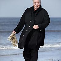 Nederland, Amsterdam , 5 april 2013..Maria Westerbos, directeur van de Plastic Soupfoundation..Een organisatie die zich inzet voor het uitbannen van plastics in bijvoorbeeld verzorgingsproducten..Op de foto staat Maria westerbos met een viskom vol plastic soup afval uit Hawaii..Foto:Jean-Pierre Jans