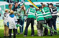 24/05/15 SCOTTISH PREMIERSHIP<br /> CELTIC v INVERNESS CT<br /> CELTIC PARK - GLASGOW<br /> Celtic manager Ronny Deila (4th from left) joins his daughters Thale (2nd from left) and Live as he celebrates with the Scottish Premiership and Scottish Championship trophy