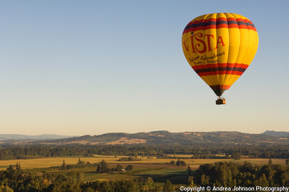 Vista Balloons tour over Eola Hills  vineyards & hop fields, Willamette Valley, Oregon