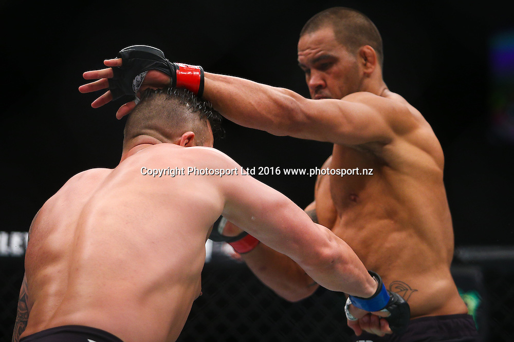 James Te Huna v Steve Bosse, UFC Featherweight, Brisbane Entertainment Centre, Brisbane, Australia.  20March, 2016. Copyright Image: Patrick Hamilton / www.photosport.nz