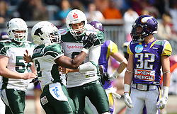 17.05.2015, Hohe Warte, Wien, AUT, BIG6, AFC Vienna Vikings vs Schwaebisch Hall Unicorns, im Bild Christian Rycraw (Schwaebisch Hall Unicorns, #2), Marco Ehrenfried (Schwaebisch Hall Unicorns, #8) und Luis Horvath (AFC Vienna Vikings, DB, #32) // during the BIG6 game between AFC Vienna Vikings vs Schwaebisch Hall Unicorns at the Hohe Warte, Wien, Austria on 2015/05/17. EXPA Pictures © 2015, PhotoCredit: EXPA/ Thomas Haumer