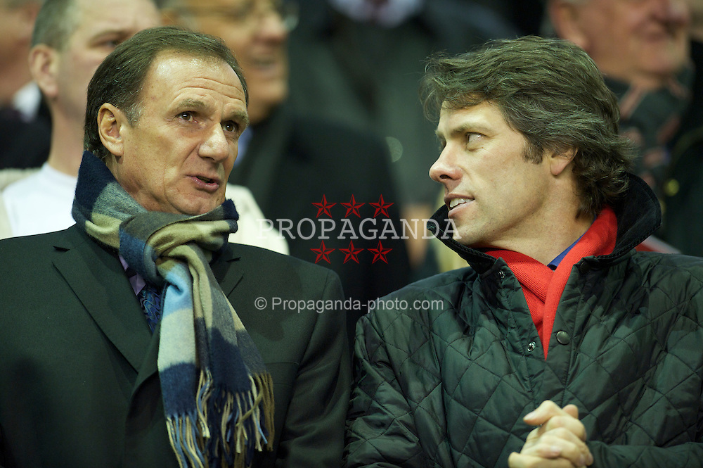 LIVERPOOL, ENGLAND - Monday, March 15, 2010: Liverpool actor and comedian John Bishop prepares to see his side take on Portsmouth with former player and manager Phil Thompson during the Premiership match at Anfield. (Photo by: David Rawcliffe/Propaganda)