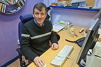 Steve Halley, Design Coordinator. Remploy Print. Wythenshawe, Manchester..© Martin Jenkinson, tel 0114 258 6808 mobile 07831 189363 email martin@pressphotos.co.uk. Copyright Designs & Patents Act 1988, moral rights asserted credit required. No part of this photo to be stored, reproduced, manipulated or transmitted to third parties by any means without prior written permission